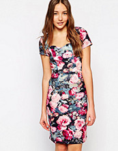 Paper Dolls Wiggle Dress in Rose Print