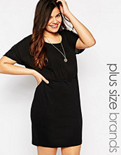 Junarose Short Sleeve Shift Dress