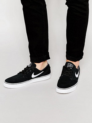 Nike Sb Stefan Janoski Trainers In Black 333824-026