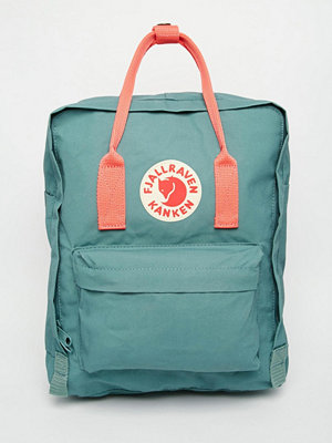 Fjällräven ryggsäck Classic Kanken Backpack in Green with Contrast Pink