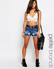 Shorts & kortbyxor - Boohoo Petite Embroidered Denim Shorts