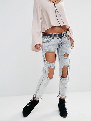 Boohoo Snow Wash Ripped Jean