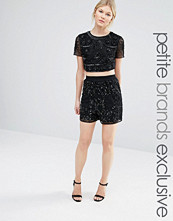 Shorts & kortbyxor - Maya Petite All Over Tonal Sequin Shorts
