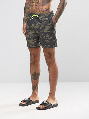 Badkläder - ASOS Swim Shorts With Camo Print & Neon Drawcord In Mid Length