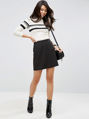 ASOS DESIGN Figursydd A-linjeformad minikjol