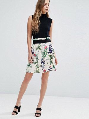Vero Moda Floral Printed Skater Skirt