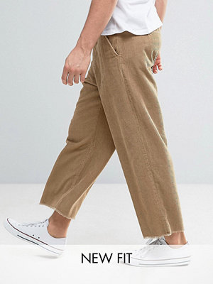 Byxor - ASOS Oversized Cropped Trousers With Raw Hem In Stone Cord