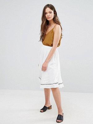 Vero Moda Embroidered Skirt