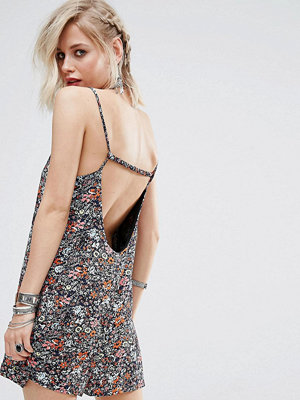 Glamorous Cami Playsuit With Scoop Back In Mini Floral