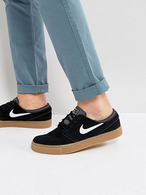 Nike Sb Zoom Stefan Janoski Trainers In Black 333824-021