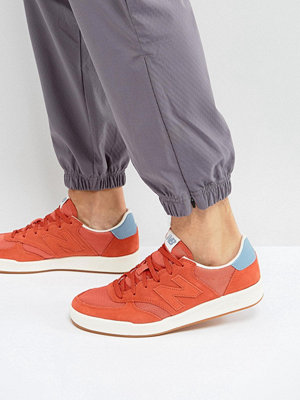 Sneakers & streetskor - New Balance CRT300 Court Trainers In Red CRT300RF