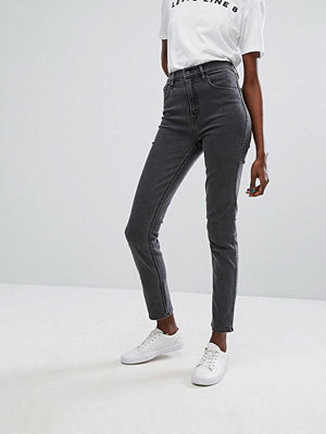 Levis Line 8 High Waisted Skinny Jean - L8 pinch black
