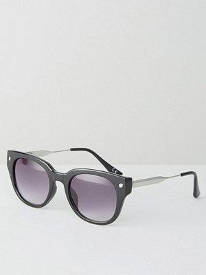 Solglasögon - Jeepers Peepers Retro Sunglasses In Black