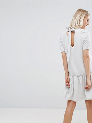ASOS Swing Dress with Ruffle Dropped Hem and Tie Back - Pale grey