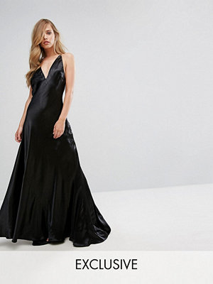 Fame and Partners Premium Metallic Gown with Fishtail