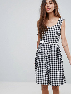 Yumi Belted Gingham Dress