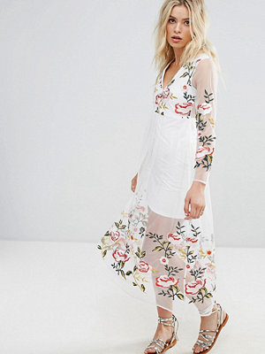 RD & Koko Long Sleeve Dress With Floral Embroidered Detail