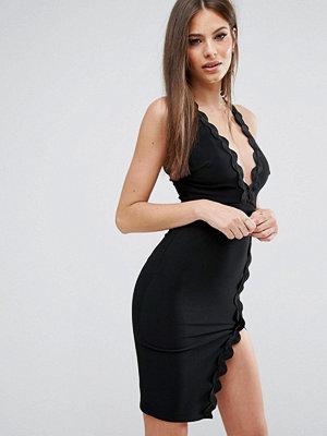 Festklänningar - Ra-Re London Plunge Neck Dress With Wavy Trim