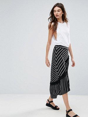 Liquorish Asymmetric Stripe Midi Skirt