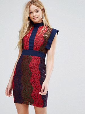 Closet London Closet High Collar Panelled Lace Dress