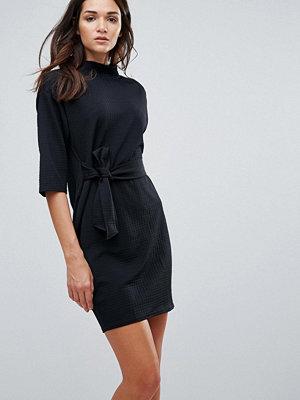 Closet London Closet Waffle Texture High Collar Front Tie Dress