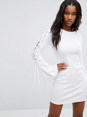 PrettyLittleThing Bodycon Dress With Lace Up Sleeve Detail
