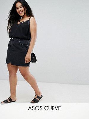 ASOS Curve Svart jeanskjol i pelmet-modell