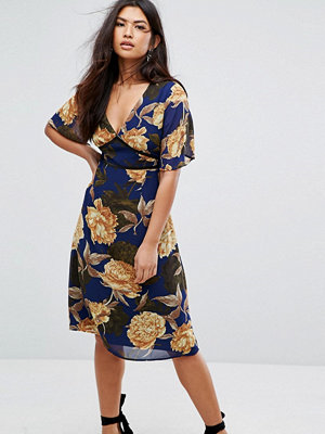 Missguided Floral Short Sleeve Midi Dress - Navy floral