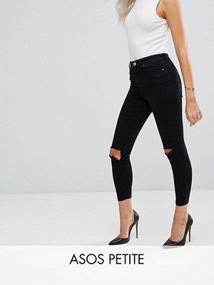 ASOS Petite Ridley Svarta jeans i sliten look med hög midja och extra smal passform Rensvarta