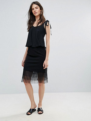 Amy Lynn Occasion Netted Mesh Midi Skirt