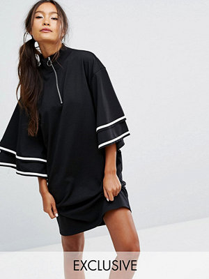 Monki Ruffle Sleeve Zip Up Sporty Dress