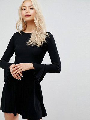 Festklänningar - ASOS Mini Skater Dress with Frill Cuffs