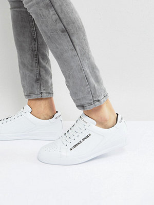 Sneakers & streetskor - Versace Jeans Trainers In White With Badge Logo