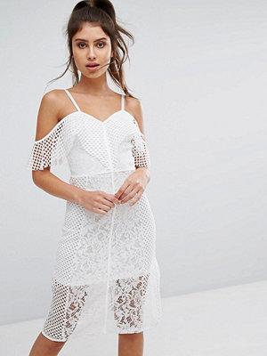 PrettyLittleThing Lace Cold Shoulder Midi Dress
