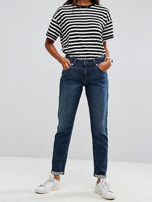 ASOS KIMMI Shrunken Boyfriend Jeans in Clara Darkwash Blue