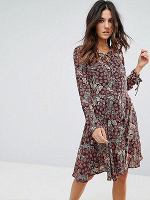 Brave Soul Tie Neck Floral Dress