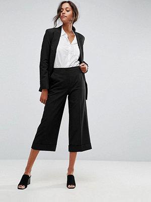 ASOS DESIGN Mixa och matcha Figursydda culotte-byxor