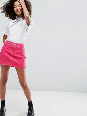 ASOS Denim Mini Skirt With Raw Hem in Fuchsia Pink