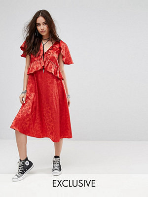 Reclaimed Vintage Inspired Midi Dress With Cape Detail