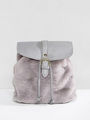 Glamorous ryggsäck Faux Fur Backpack in Grey
