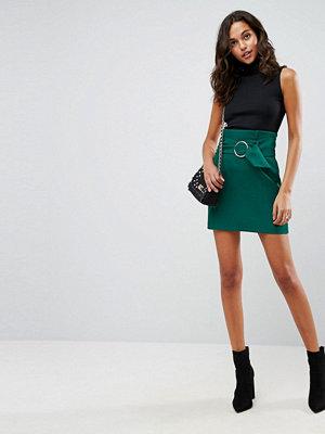 ASOS Tailored Minikjol med runt metallspänne