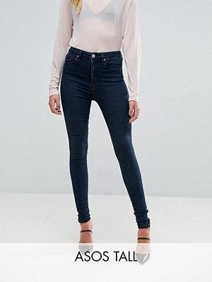 Asos Tall Sculpt Me Jeans i Grace-tvätt Mörkblå