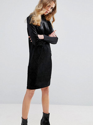 Ichi Embossed Velvet Shift Dress
