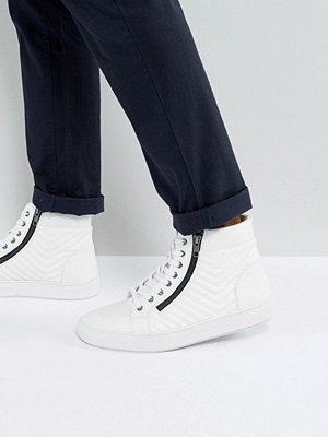 Sneakers & streetskor - Steve Madden Punted Zip Hi Top Trainers In White