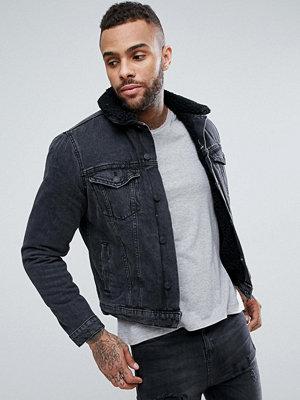 New Look Borg Lined Denim Jacket In Black