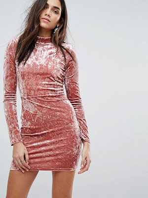 PrettyLittleThing Crushed Velvet Bodycon Dress