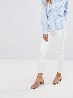 Vero Moda Skinny jeans med 30 i längd