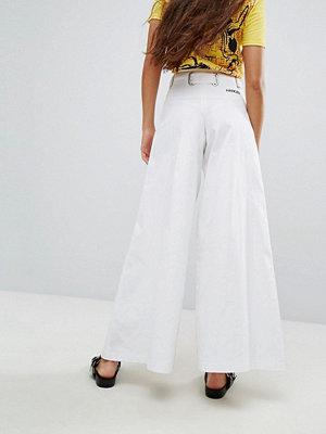 Hanger Wide Leg Jeans