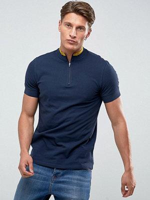 Pikétröjor - KIOMI Polo Shirt With High Neck And Arm Stripes