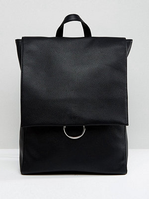 ASOS ryggsäck Ring Flap Backpack